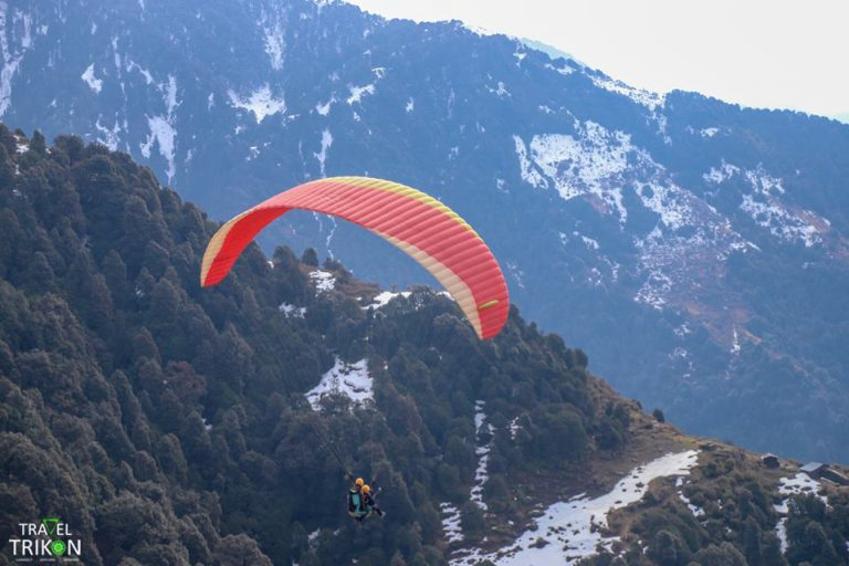 9 Best Places to Experience Paragliding in India